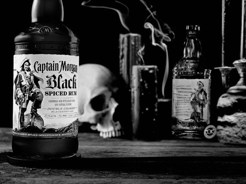 http://eshop.flveknapoje.cz/soubory/captain-morgan-black-spiced-rum-bottle.jpg